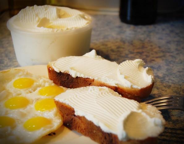 Завтрак и сыры